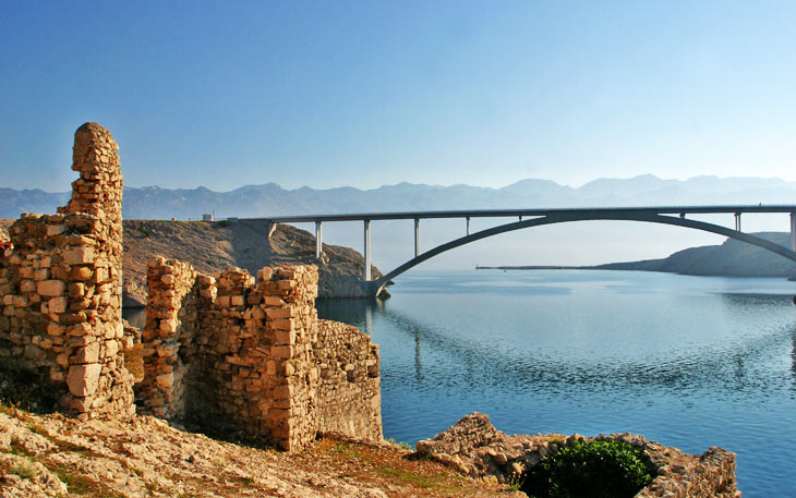Bridge to island of Pag