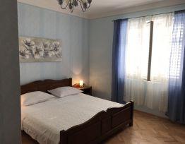 Room plava